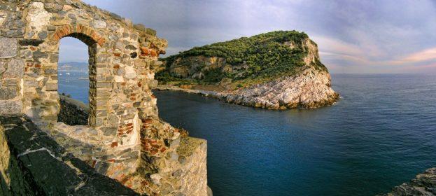 Leggenda dell'Isola Palmaria-Isola Palmaria- Promontorio Portovenere- Papà Lucerna- Leggenda-Chiesa di San Pietro-Golfo dei poeti