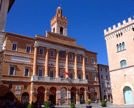 Palazzo Comunale- Foligno- SPQF-neoclassico-torre-
