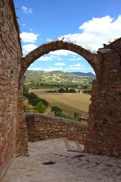 Scorcio-Campagna-Umbria-Arco-Pietra Rosa-Vicolo