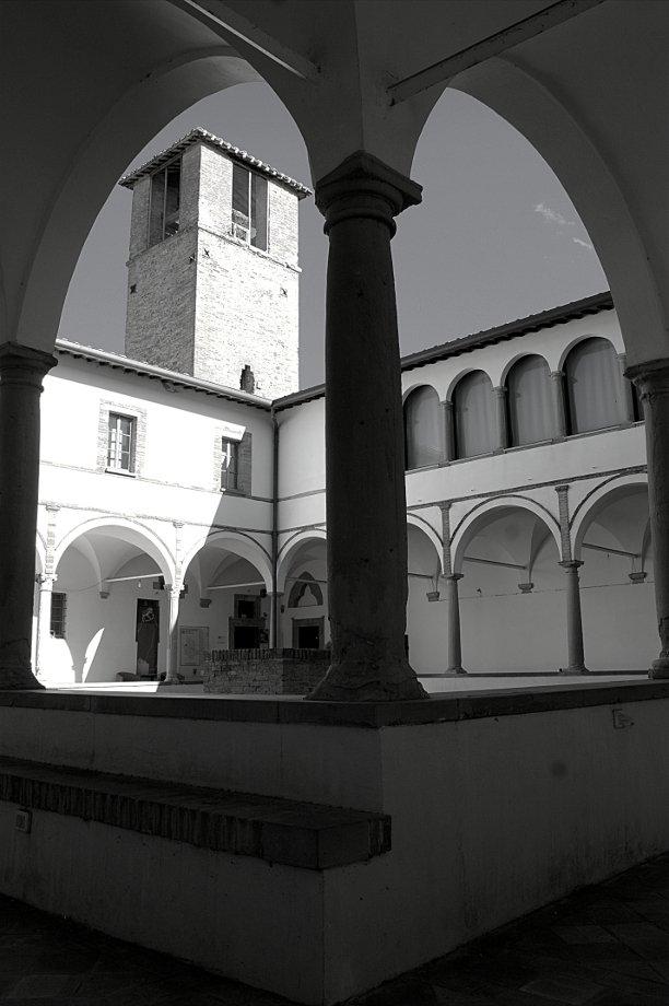 Montone: l'Umbria Medievale- Montone- Chiostro- San Francesco- Museo-Pinacoteca-Medioevo-