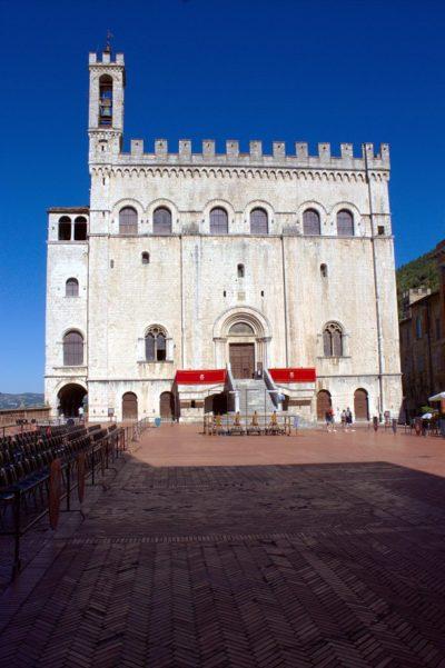 Palazzo dei Consoli-Piazza Grande-Museo Civico