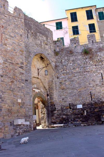 Portovenere, la perla del Golfo dei Poeti-Porta del Borgo-Portovenere-Golfo dei Poeti