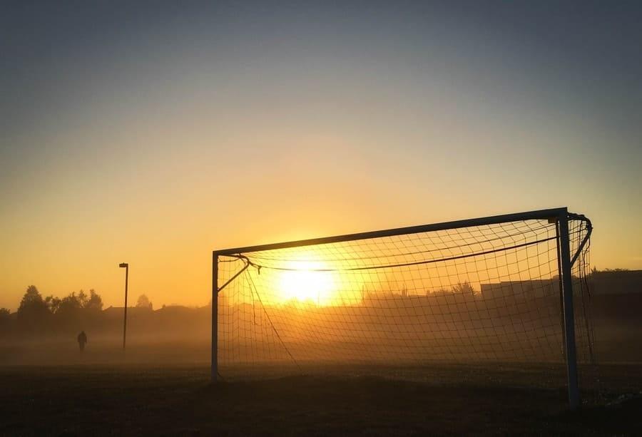 finale mondiale-tramonto-porta da calcio-jpg