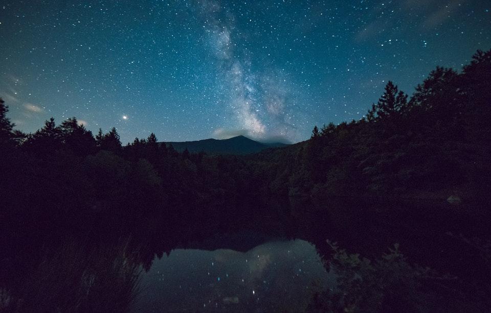 lago-tekapo-notte-stelle-luna-jpg