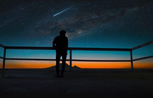migliori posti per vedere le stelle cadenti-notte-colori-persona-vista-jpg