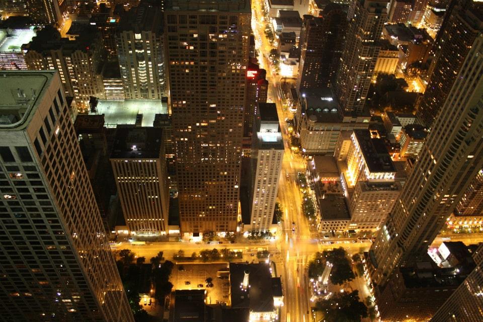 Chicago-palazzi-vista notturna-luci-città-jpg