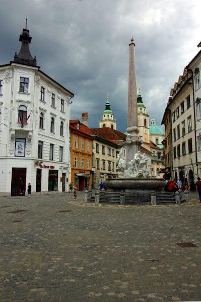 La verde Lubiana in un giorno- Piazza Mestni- Mestni trg- Fontana dei Tre Fiumi Carniolani