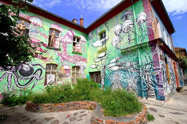 La verde Lubiana in un giorno- Metelkova- Quartiere degli artisti- Murales-Street art- Graffiti