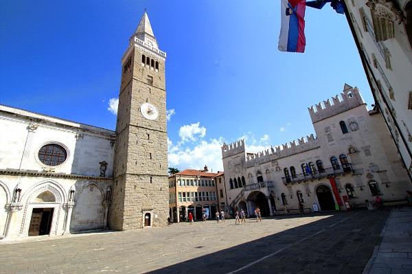 Cosa vedere a Capodistria in un giorno- Piazza Tito- Tito Trg- Palazzo Pretorio- Torre civica-Koper- Cattedrale dell'Assunta