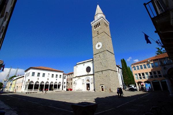 Cosa vedere a Capodistria in un giorno- Tito trg- Piazza Tito- Cattedrale dell'Assunta-Torre civica- Palazzo della Loggia