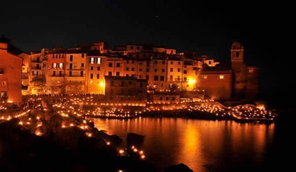 6 borghi italiani da vedere a Natale- Tellaro- Lerici-Golfo dei Poeti-Natale Subacqueo- Candele-Vigilia di natale