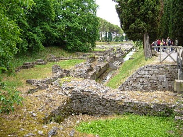 Porto fluviale - Area Archeologica- resti- pietre