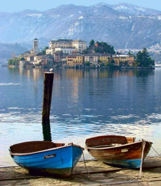 4 borghi ideali per un week end romantico- Orta San Giulio- Lago d'Orta- Isola di San Giulio- via Olina- Lungolago- Barche-