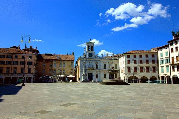 Udine in un giorno? si può!- Piazza San Giacomo-Piazza Matteotti- Portici- rito del Tajut- Chiesa di San Giacomo-