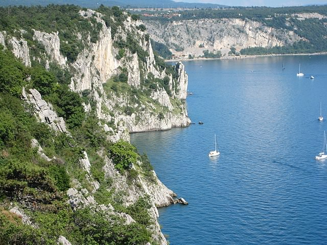 le interessanti leggende di Trieste- Carso- Carso Triestino- Scogliera- Mare