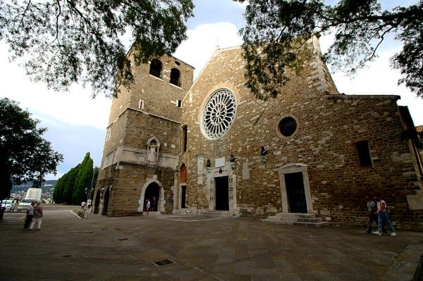 Cosa vedere a Trieste in un weekend- Cattedrale di san Giusto- Romanico- Gotico- Colle di san Giusto