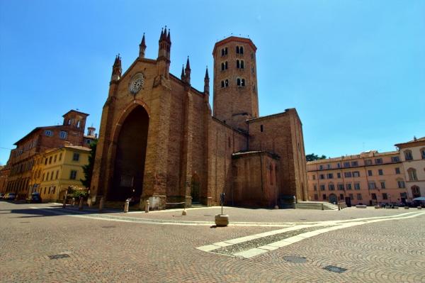 Cosa vedere a Piacenza- Chiesa di Sant'Antonino- Campanile ottagonale