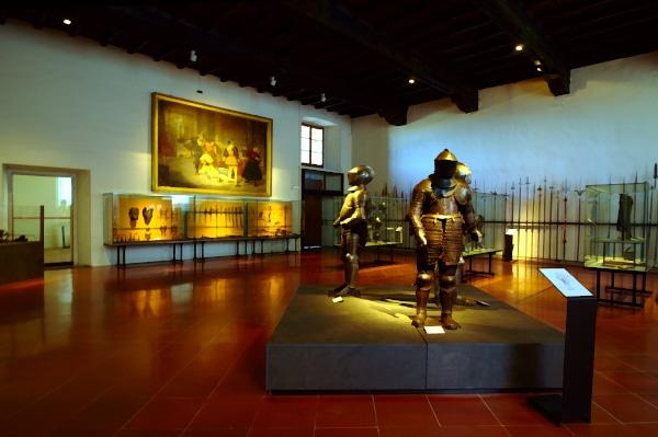 Collezione di Armi- Palazzo Farnese- Spade- Armature