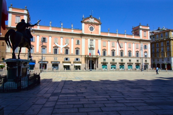 Palazzo del Governatore- Piazza Cavalli- Statua Equestre Ranuccio Farnese