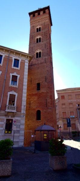 Torre Troyana- Piazza medici- Merlature-bifore