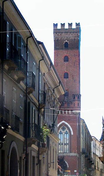 Torre Cometina- Corso Alfieri- merlature