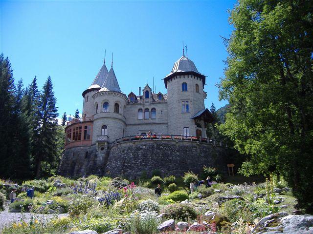 Cosa vedere nei dintorni di Aosta-Castello Savoia- Gressoney- Castello delle fiabe- orto botanico alpino