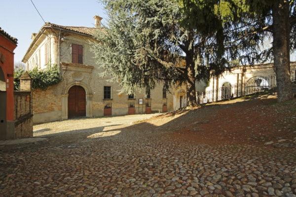 Palazzo dei conti di Caselborgo- giardini all'italiana, scorcio