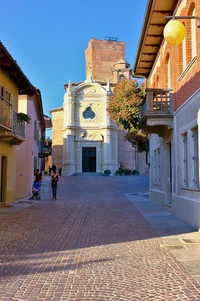 Cosa vedere a Neive e dintorni- Barbaresco- Chiesa di San Giovanni- Torre medievale