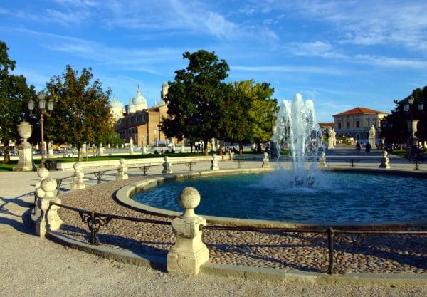 Cosa vedere a Padova-Prato della valle-Basilica di Santa Giustina-Fontana-alberi