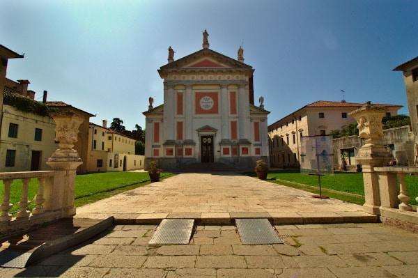 Cosa Vedere a Castelfranco Veneto in poche ore- Duomo- facciata-piazza