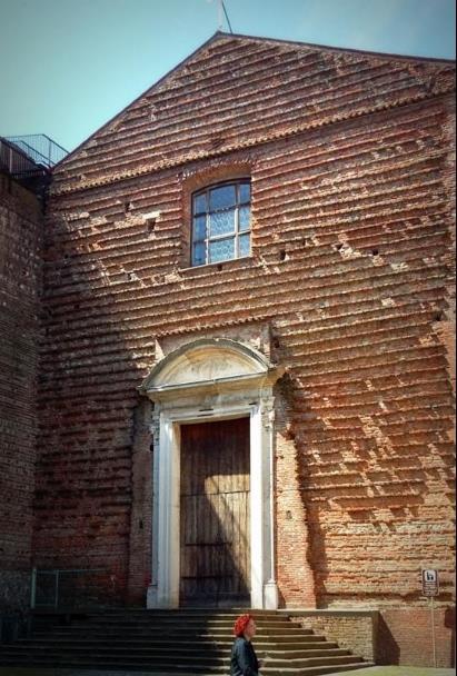 Chiesa di Santa Maria del Torresino- facciata- mattoni