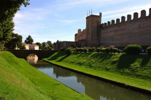 cosa vedere a Cittadella in poche ore- Mura- fossato- torre- merlature