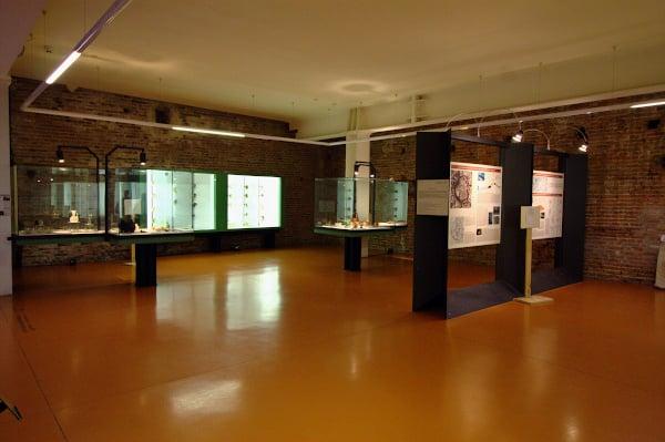 Cosa vedere a Cittadella in poche ore- Museo civico archeologico- reperti- vetrine- Torre di Malta