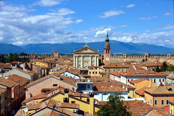 Cosa vedere a Cittadella in poche ore- Panorama- Duomo di Cittadella- Case- Campanile