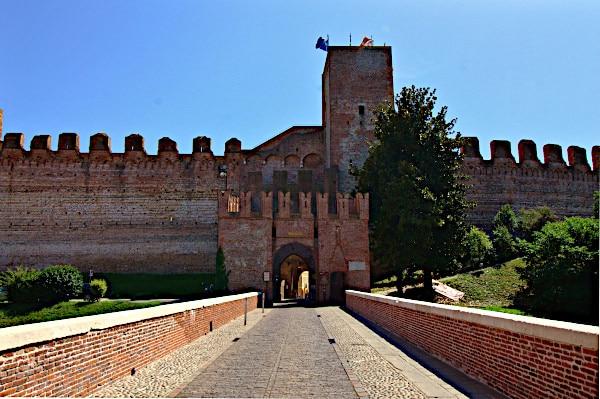 Cosa vedere a Cittadella in poche ore- Porta Bassanese- Torre- merlature-ponte