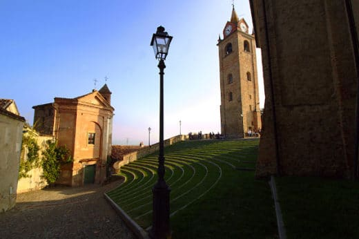 cosa vedere a Monforte d'Alba- Torre Campanaria- Oratorio di Santa Elisabetta- Auditorium Horszowski