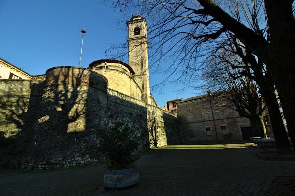 Cosa vedere a Volpedo paese di Pellizza- Mura Spagnole- parrocchia-torrione