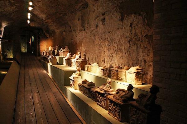 Museo Archeologico NAzionale di Siena- Sarcofagi- sculture- Santa Maria della Scala