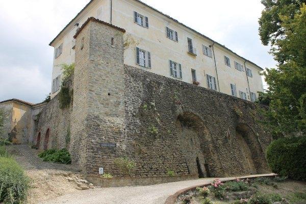 Castello di Perno- Mura- Palazzo nobiliare