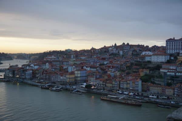 Porto-Veduta-Alto-Tramonto-Case-Fiume