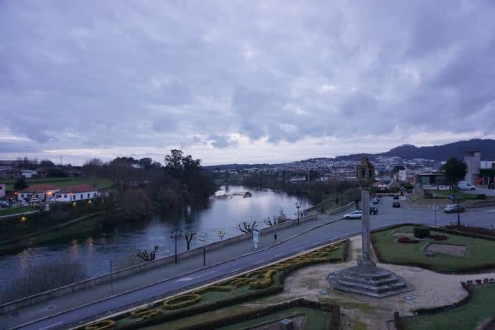 Barcelos-Veduta-Fiume-Cielo-Ingresso-Città-Grigio