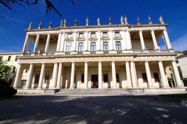 Cosa vedere a Vicenza- Palazzo Chiericati- Pinacoteca Civica- Colonne- Statue- Rinascimento
