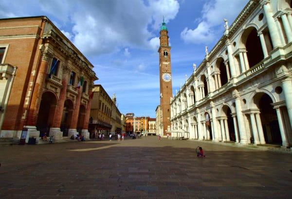 Cosa vedere a Vicenza- Piazza dei Signori- Basilica Palladiana- Palazzo del Monte di Pietà- Palazzo del Capitanio-Torre Bissara