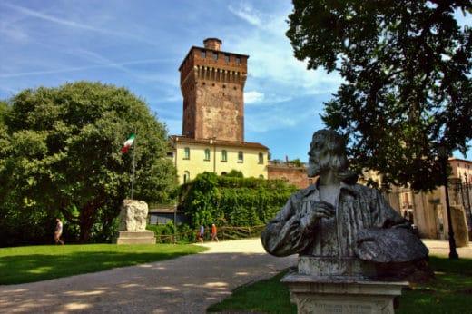 Cosa vedere a Vicenza- Giardini Salvi- Torre del Castello Scaligero- Busto di Bartolomeo Montagna- Alberi