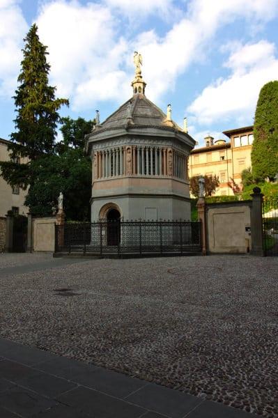 Battistero del Duomo di Sant'Alessandro-Statue-Ottagono-BG
