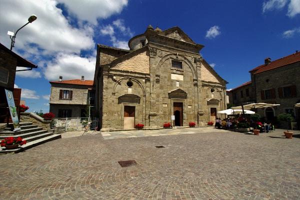 Cosa vedere a Roccaverano- Chiesa di Santa Maria Annunziata-Bassorilievi-Rinascimento Bramante-