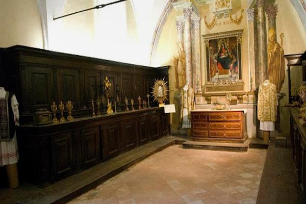Museo sacrestia aperta- Chiesa di San Francesco d'assisi-arte-pala d'altare