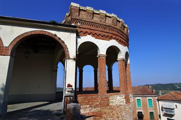 Cosa vedere a Moncalvo-Torrione-Bottega del vino-Castello Gonzaga-belvedere